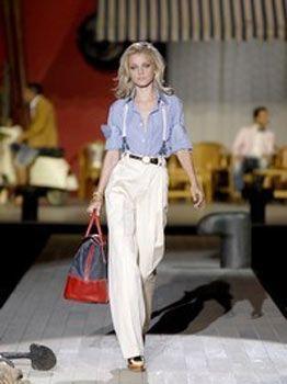 Modacı Marlene Dietrich, kumaş pantolon, gömlek ve pantolon askılarıyla oldukça şık bir tarz yarattı. Bu tarz bir kombinasyonla oldukça maskülen ve seksi bir görünüm elde edeceksiniz.
